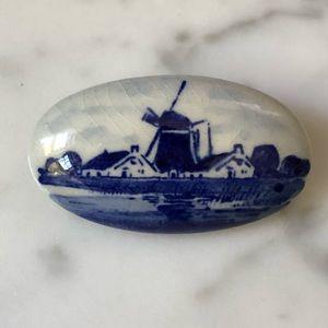 🔥 Vintage Ceramic Hand Painted Brooch